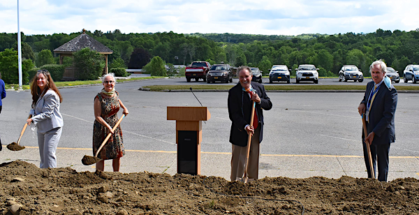 [PIC] Dutchess BOCES Cabinet members Dr. Norah Merritt, Cora Stempel, Dr. Richard Hooley, and Matt Metzger All Hold Shovels At The Grounbreaking Ceremony