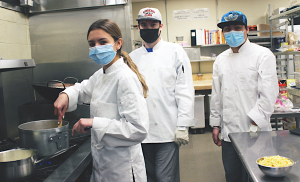 [PIC] CTI Culinary Students Prepare Corn Chowder