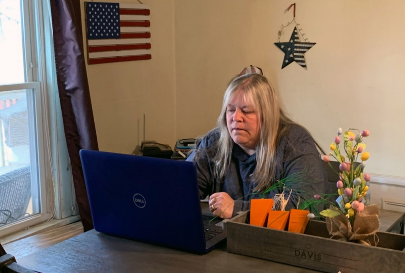 [PIC] Teaching Assistant Jen Davis Works Remotely