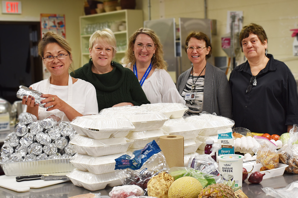 [PIC] BOCES CTI Staff Prepare Meals For Student Delivery